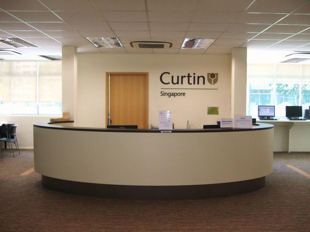Quầy tiếp sinh viên tại Đại học Curtin Singapore